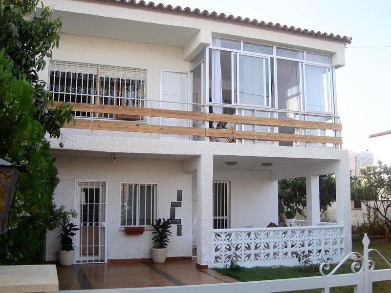 Encantadora y tranquila casa en Benicàssim, vacation rental in Benicasim