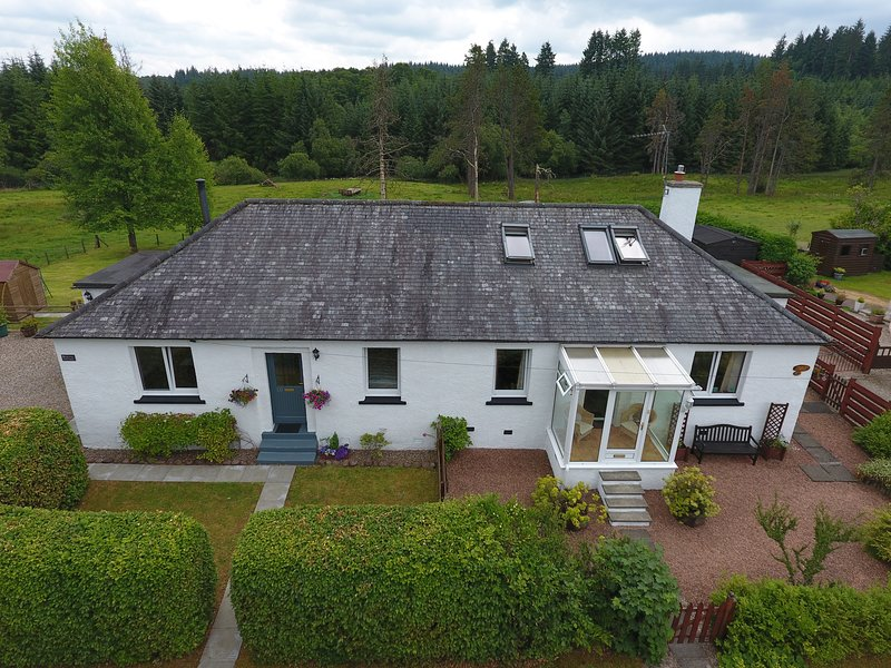 Lomond View Cottage, self catering cottage, Aberfoyle, The Trossachs, holiday rental in Loch Lomond and The Trossachs National Park