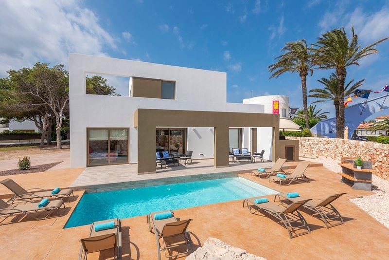 5 Habitaciones dobles con baño en suite en MENORCA, vacation rental in Ciutadella