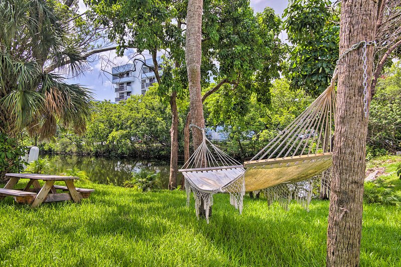 Make your way to Miami Gardens and book this ideally located vacation rental!