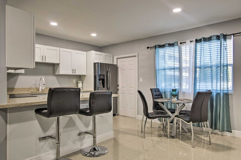 Make this sleek condo your next Miami area vacation destination!