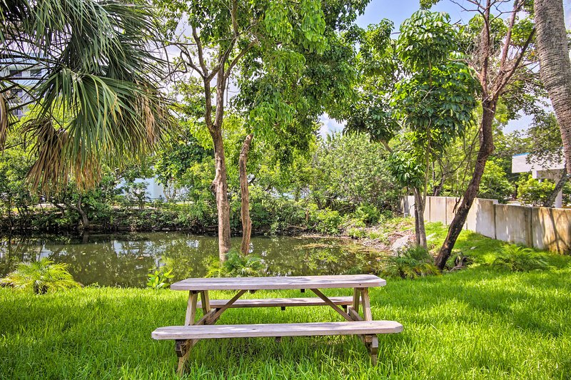 The backyard overlooks a canal providing the perfect setting for al freso meals.