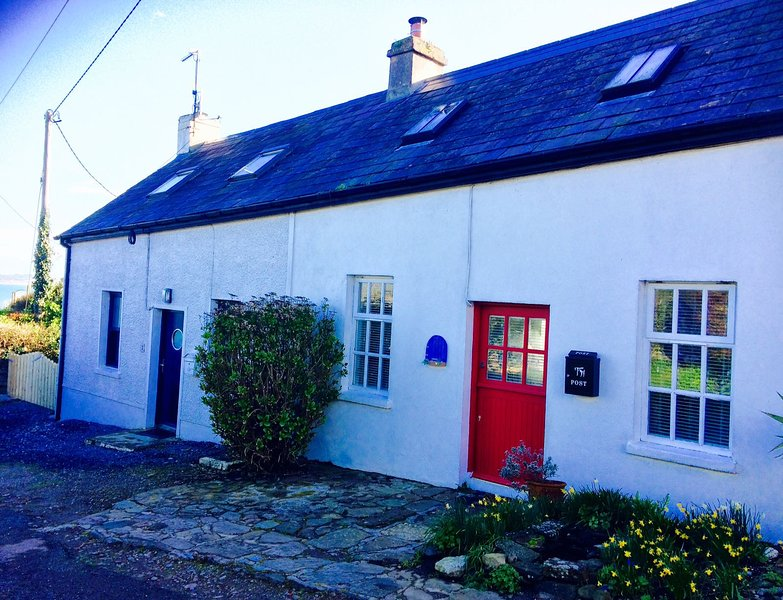 Fisherman's Cottage to Rent in Ballycotton, Co Cork (40 kms from Cork city), holiday rental in Scarriff
