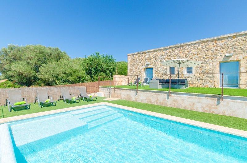 ES GASSONS - Villa for 6 people in Maria de la Salut, holiday rental in Maria de la Salut