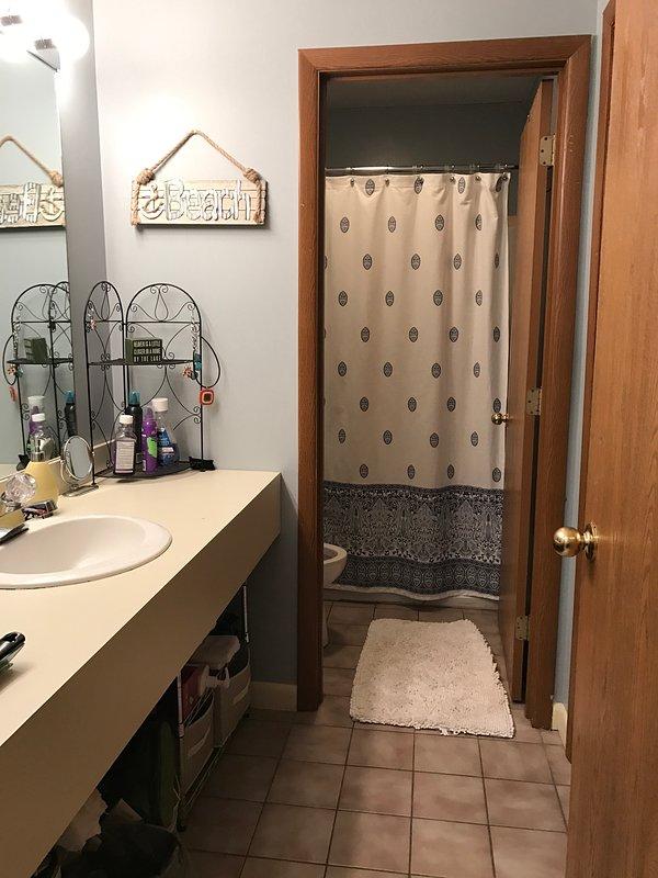 Bagno completo con porta per separare