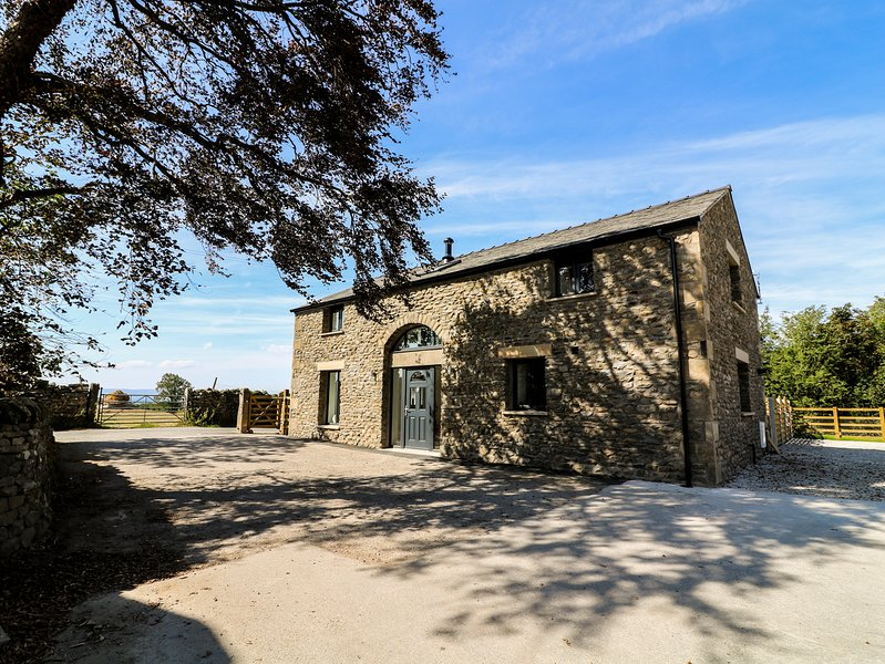 FELL GATE FARM, hot tub, working farm, near Kirkby Lonsdale, casa vacanza a Ireby