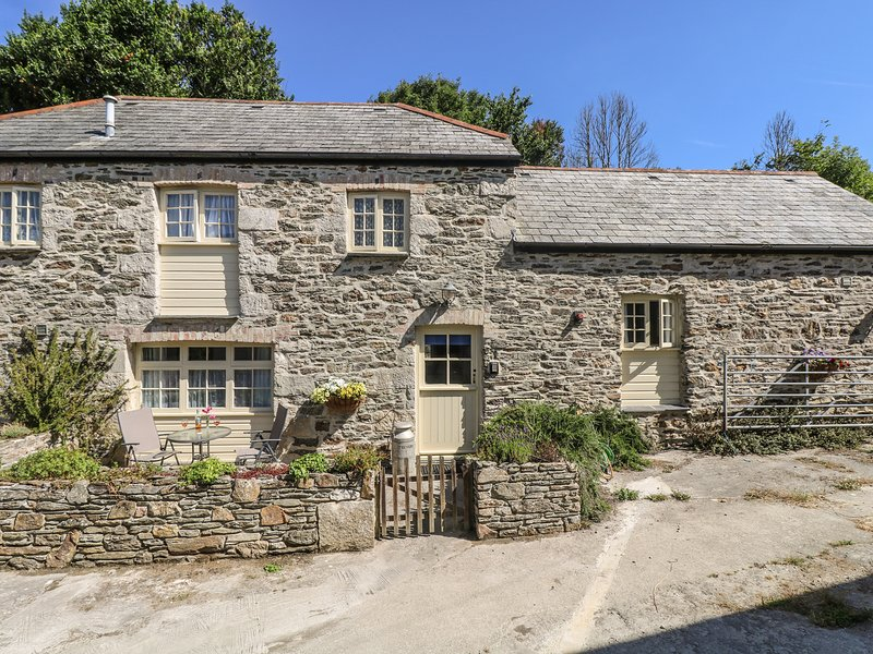 TREVENA, enclosed patio, close to beach, relaxing location, Ref 912382, holiday rental in St Newlyn East
