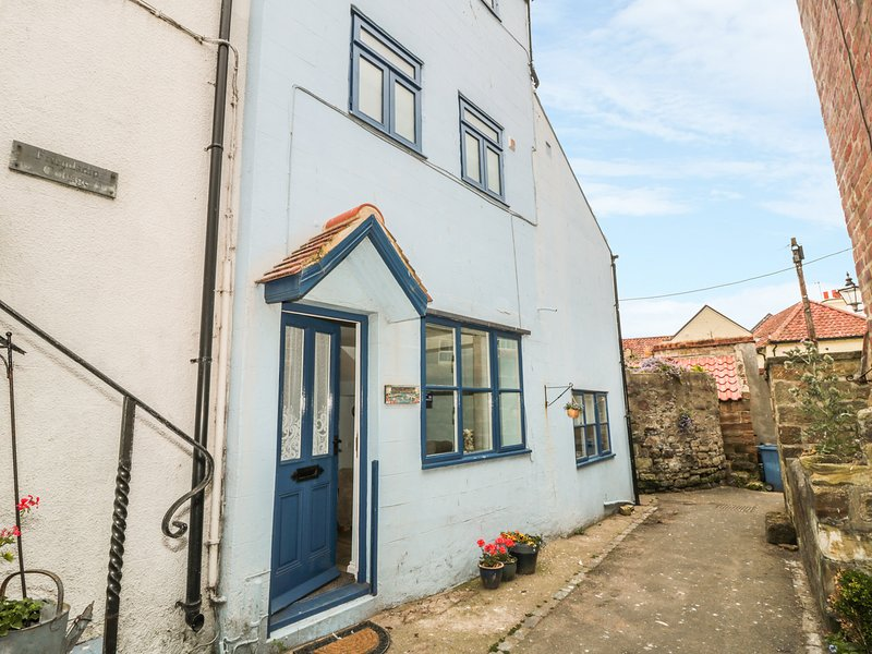 BRAMLA, perfect seaside location, Staithes, vacation rental in Staithes