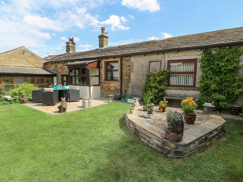 WEST END HOUSE, exposed beams and open fire, Thornton, alquiler vacacional en Bingley