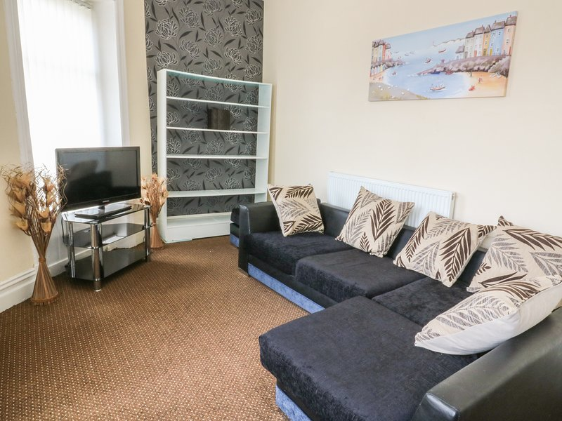 60 KEIGHLEY ROAD, perfect for couples, near Skipton, vacation rental in Colne