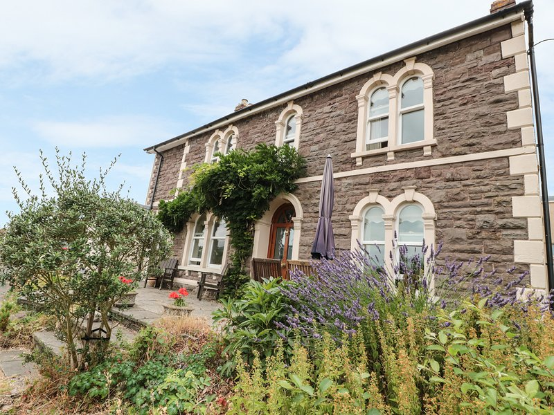 ROSEHILL, spacious accommodation for seven, in Abergavenny, Ferienwohnung in Gilwern