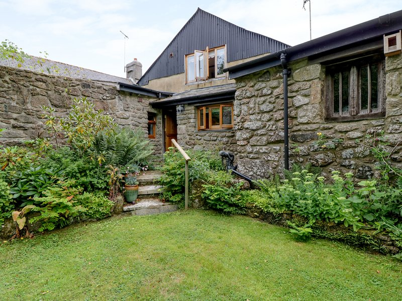 TRILBYS, enclosed private garden, near Chagford, holiday rental in Moretonhampstead