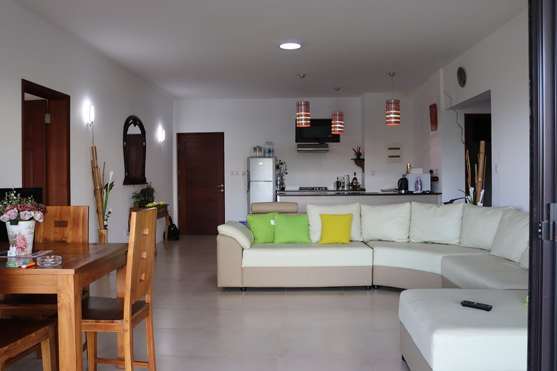Mahina Luxury 2 Bedroom Apartment with Pool, location de vacances à Bambous