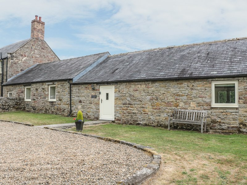 SHEPERDS BURN COTTAGE, WIFI, beautiful with character, open-plan, near, holiday rental in Greenhaugh