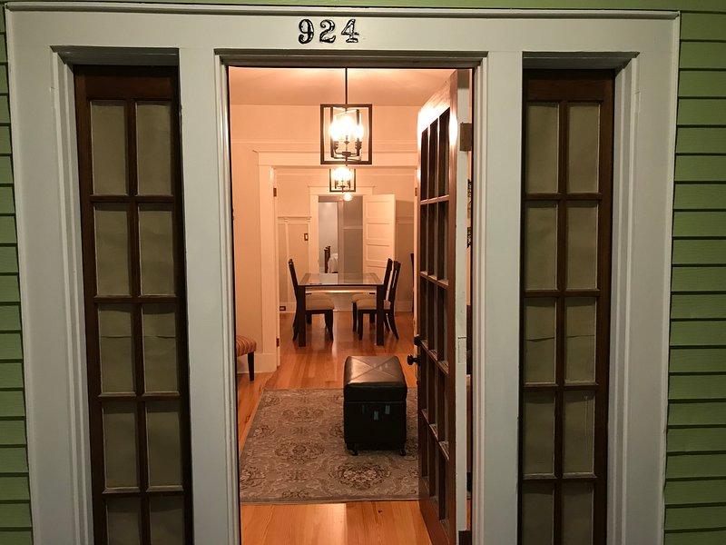 Lower Garden District (Close to Convention Center), holiday rental in Gretna
