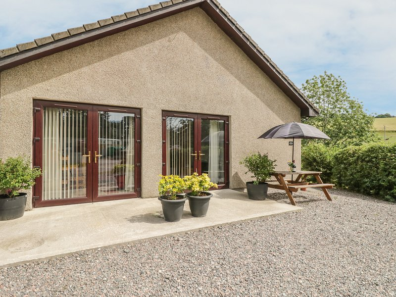 KILT ROOM COTTAGE well-presented, all ground floor, WiFi, pet-friendly, in, casa vacanza a Archiestown