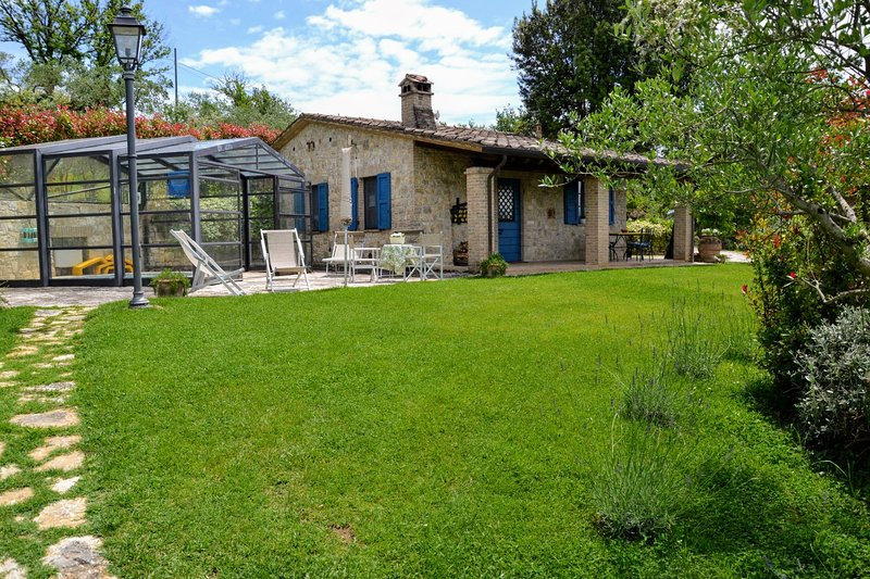 Collazzone Holiday Home Sleeps 4 with Air Con and WiFi - 5226832, vacation rental in Grutti