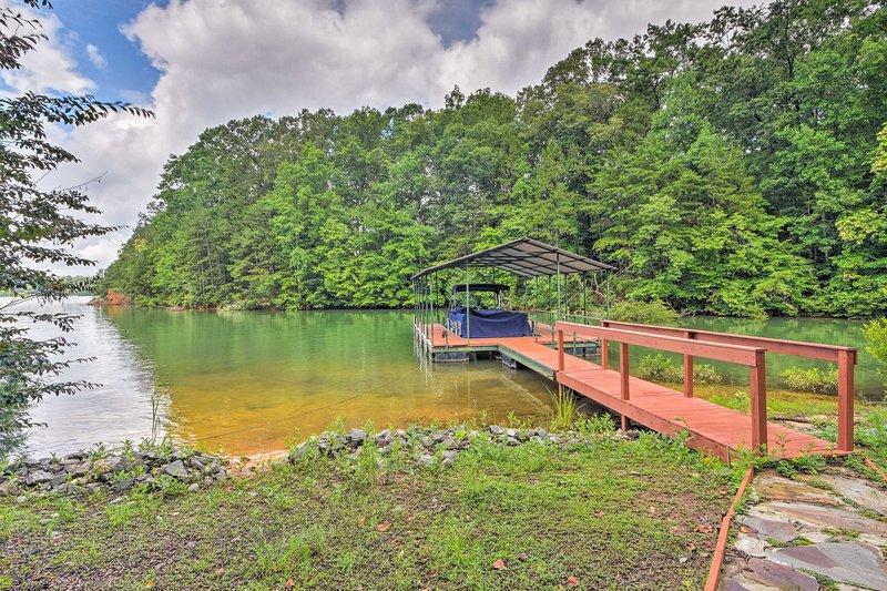 Live lakeside at this spacious Seneca vacation rental home!