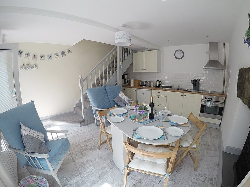 DOCTORS COTTAGE BOLT HOLE IN BARMOUTH, vacation rental in Barmouth