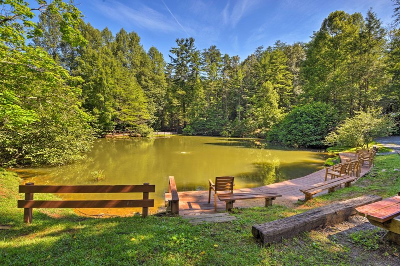 Situated in Lilly Pad Village, you'll have access to mini golf & a stocked pond.