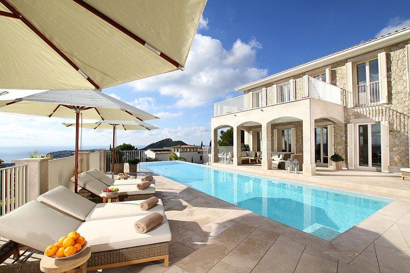 Villa Marvel, alquiler vacacional en Camp De Mar