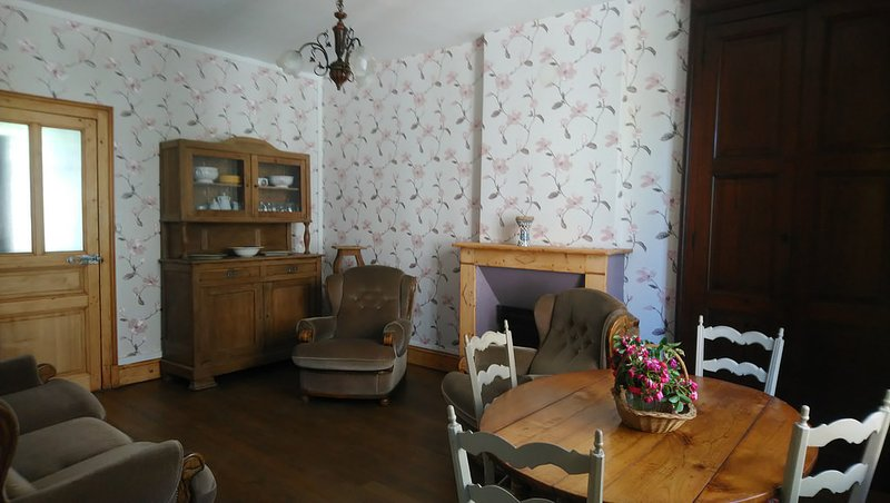 Gite 'La Maison', holiday rental in Haybes