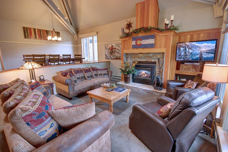Stunning vacation townhouse at Soda Springs!