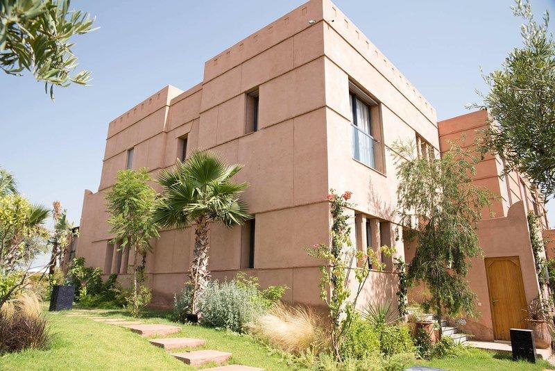 Villa yacout -les jardins de l atlas- 1 min du waky marrakech, holiday rental in Lagouassem