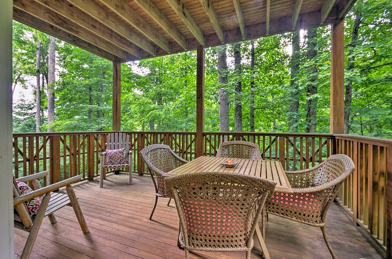 Leave your worries behind and escape to this Burnsville vacation rental condo!