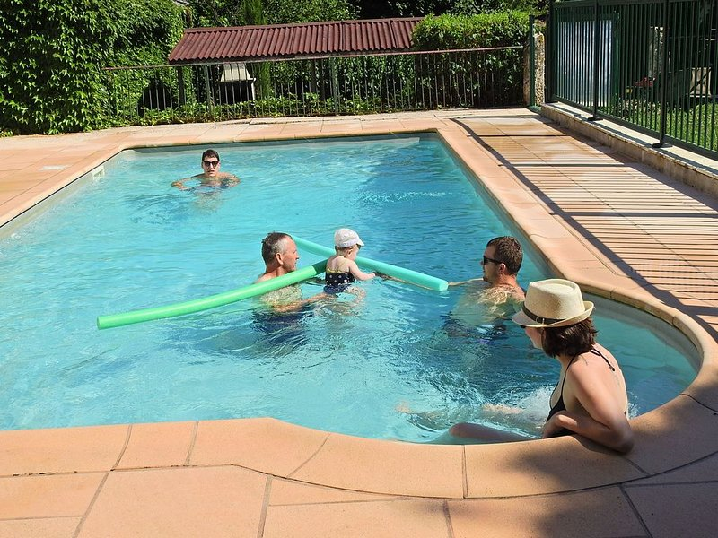 Lauzanac Farmhouse, charming cottage, Eymet en Dordogne, holiday rental in Eymet