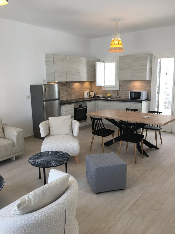 Island  Sweet home (4 pax) - Santorini, holiday rental in Exo Gonia