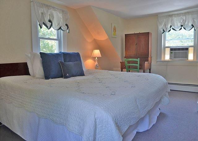 Dormitorio 3: dormitorio principal con cama King.