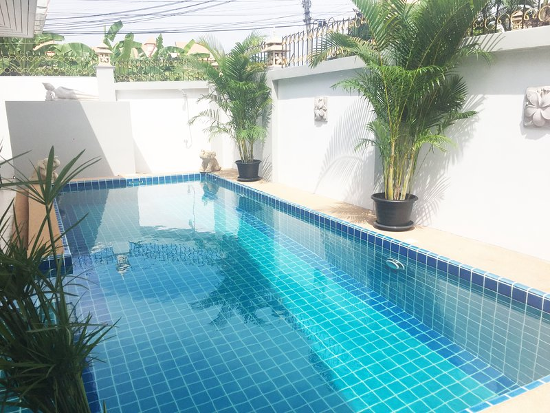 Villa 3 Bedrooms with Private Swimming Pool near Walking Street, holiday rental in Pattaya