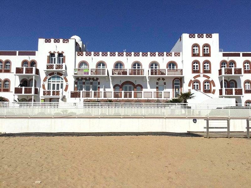 Avec une piscine vue sur mer, vacation rental in La Tranche sur Mer
