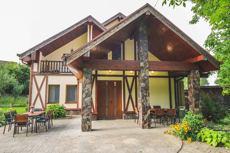 Holiday House near Sibiu, Romania, holiday rental in Vale