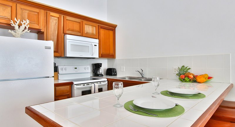 Grand Baymen Gardens Capitan- Delux One Bedroom Suite, holiday rental in San Pedro