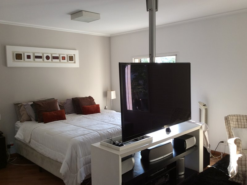 Apartamento Aconchegante Zona Sul 1 por andar ,4 suítes,2 salas,218 metros., Ferienwohnung in São Paulo