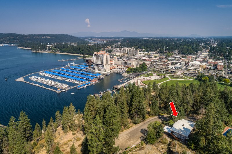 Closest house to downtown CDA and resort. Only a five minute walk