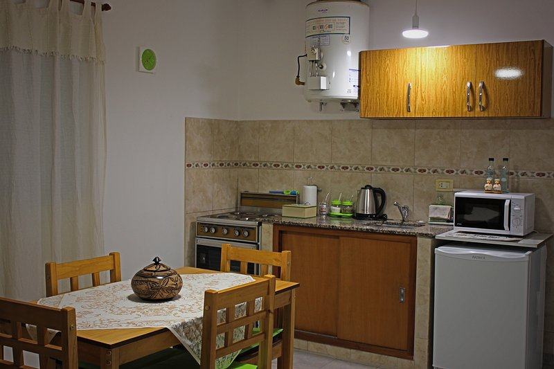 Fully equipped kitchen / dining room