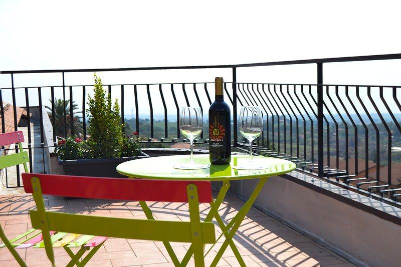 Etna Sunrise b&b 'Etna Suite', holiday rental in Zafferana Etnea