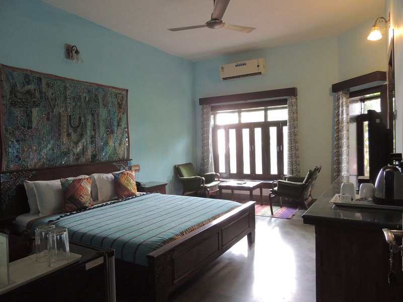 Rudraneel Villa - Deluxe Double Room 4, vacation rental in Jodhpur