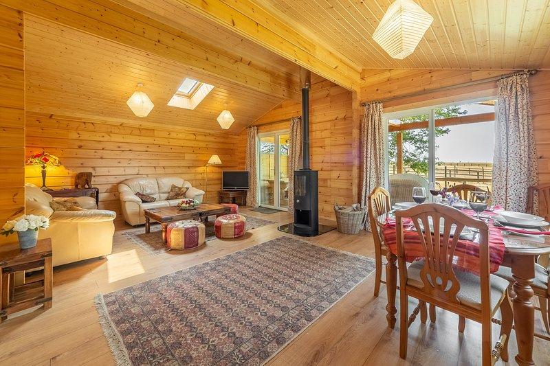The Lodge, holiday rental in Hadleigh
