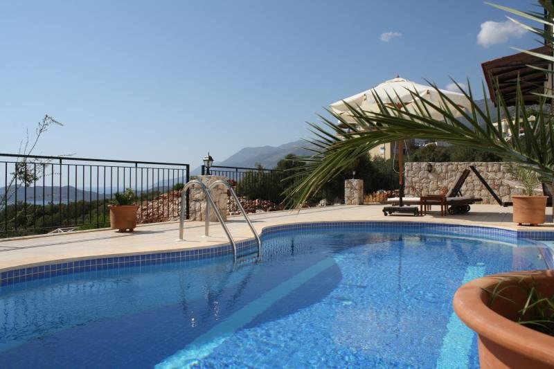 Villa Kekova - Close to Center and Beach. Sea View from all Rooms. Top Ranking., location de vacances à KAS