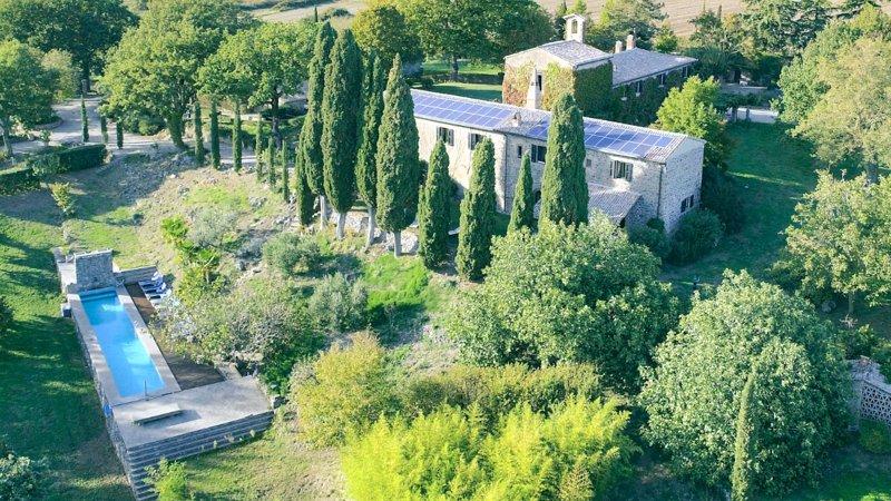 Santa Maria della Concezione  -VILLA CYPRESS-, vakantiewoning in Torre Alfina