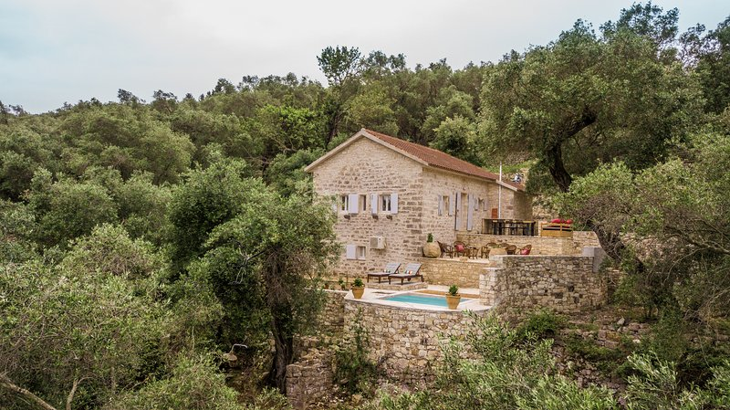Paxos StoneHouse, vacation rental in Gaios