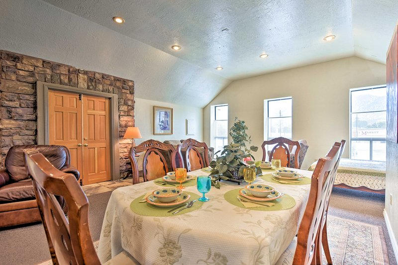 The spacious dining area has room for the whole family!