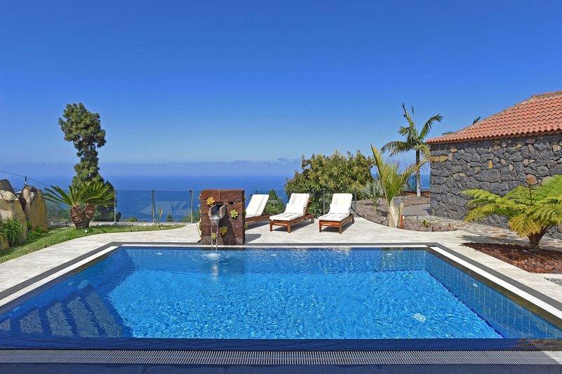 Villa Elena, holiday rental in El Jesus