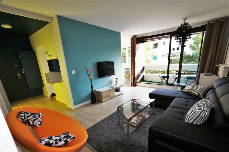 L'AXONY73, grand T2 standing avec terrasse proche gare, holiday rental in Gilly-sur-Isere