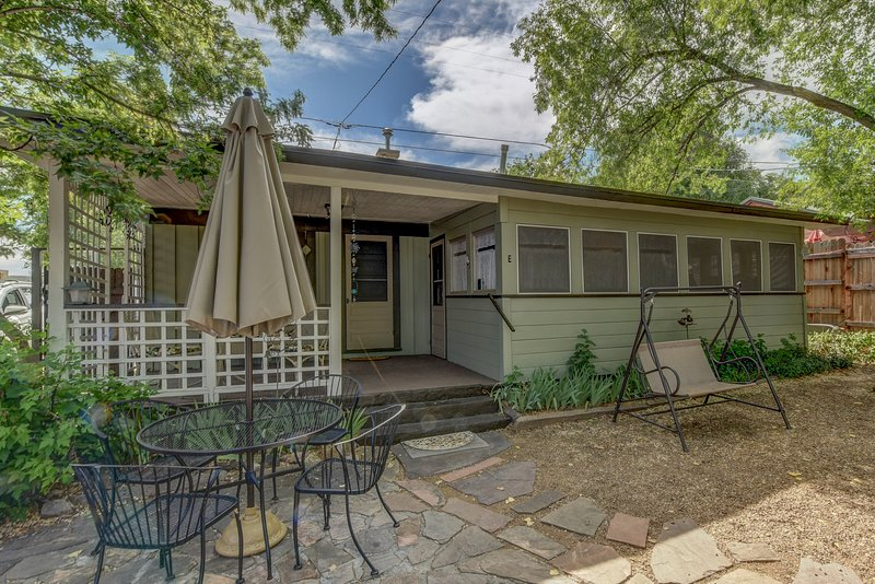 Pleasant Street Cottages- East Cottage, location de vacances à Prescott Valley