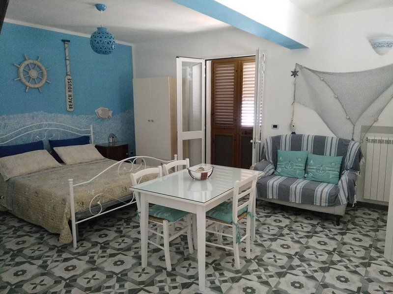 Villa con giardino  vista mare, casa vacanza a Vignacastrisi